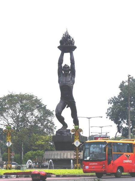 Patung Pemuda Membangun Senayan Arie Saksono
