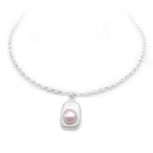 Silver Pearl Necklace in Light Purple