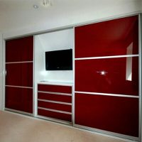 Aries Closet Door , White and Red CSD 07 ( Acrylic and Mdf ...