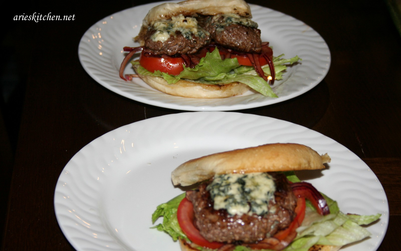 Jamie Oliver S Blue Cheese Burgers Recipe Arie S Kitchen