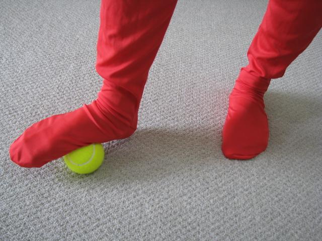 テニスボール足裏