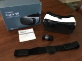 feb2016-VR-unboxing-samsung-03