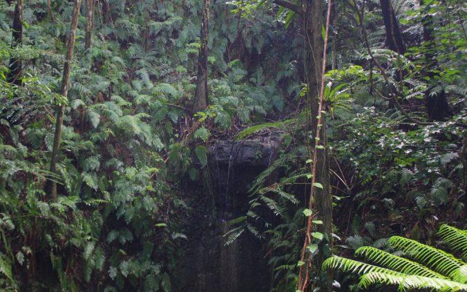 Smoking Cave Waterfall in 'Eua.