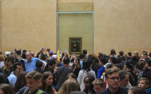 Crowds at Mona Lisa in Louvre