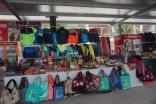 Penjual Souvenir di Dermaga Ha Long Bay