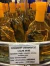 Wine Khas Vietnam Didalamnya ada Kalajengking dan Kepala Ular
