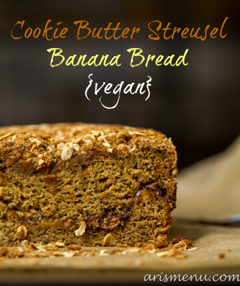 Cookie Butter Streusel Banana Bread #vegan via www.arismenu.com