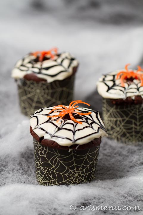 Spider Web Cupcakes