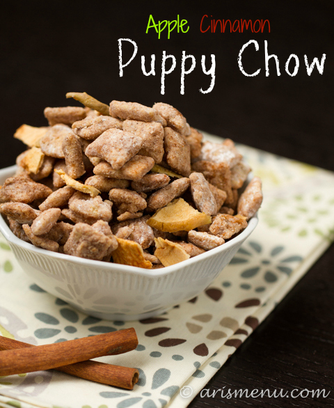Apple Cinnamon Puppy Chow: Easy, sweet, cinnamon-y puppy chow is the perfect, addicting fall treat!