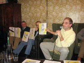 Maurizio Baselli presenta alcuni disegni che illustrano varie versioni di Deborah Shilton, una dei protagonisti del romanzo