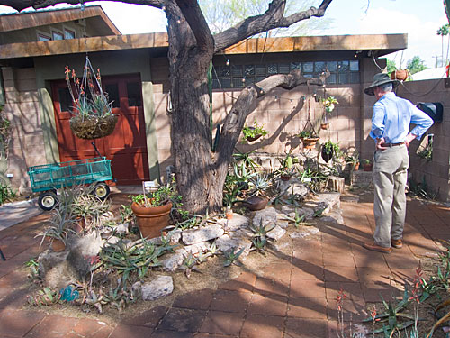 garden_tour_house_6_shade.jpg