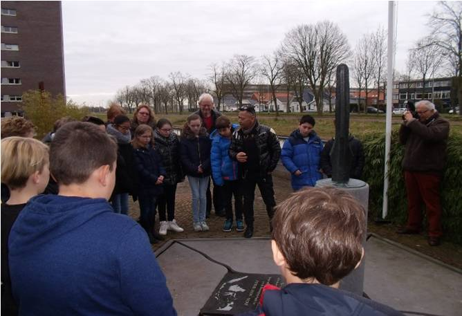 kievitsloop maart 2016 monument