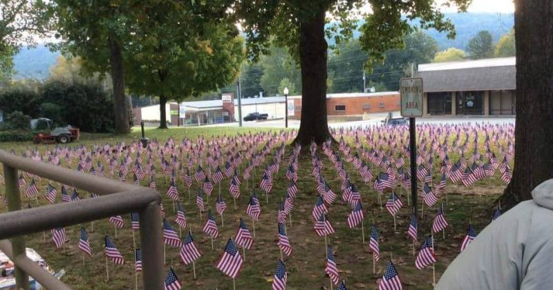 Heber Springs Courthouse Lawn adorn with small American flags