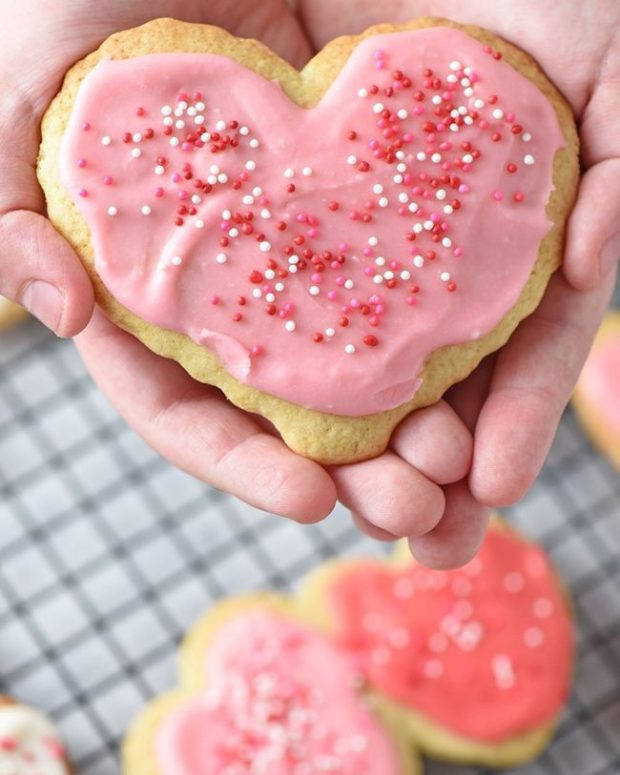 Cut Out Sugar Cookies via adventurespfmel.com