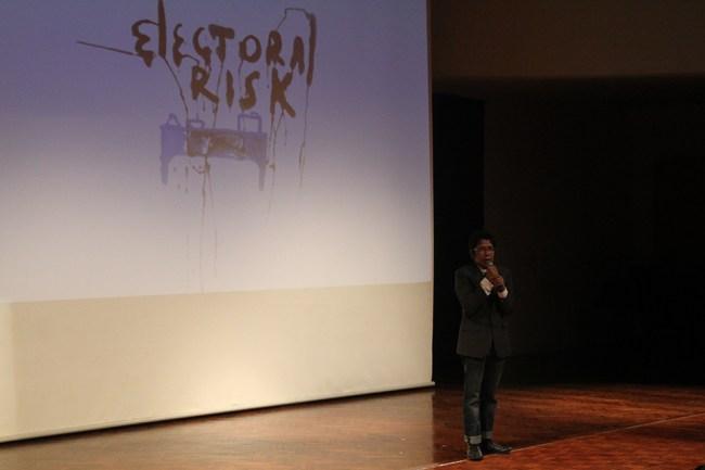 Juventius Sandy Setyawan (Juve)_ARKIPEL ©2014 Opening Night ARKIPEL Electoral Risk_24