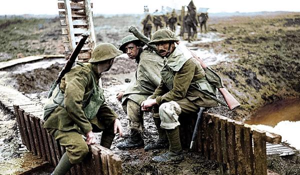 """Apocalypse: Perang Dunia Pertama"""