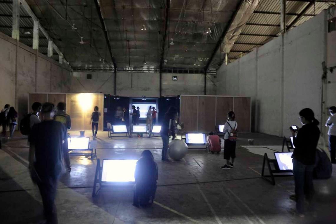 Penampakan suasana pameran Kultursinema #: Menangkap Cahaya. / The view of Kultursinema #3: Capturing the Lights exhibition.