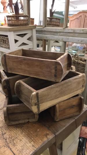 brick moulding boxes