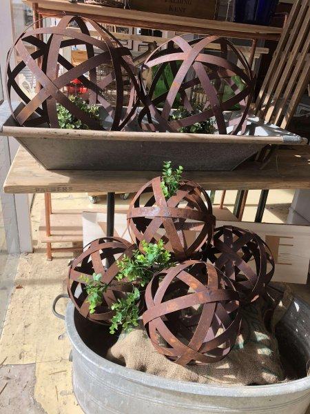 Metal Band Sphere vintage garden design