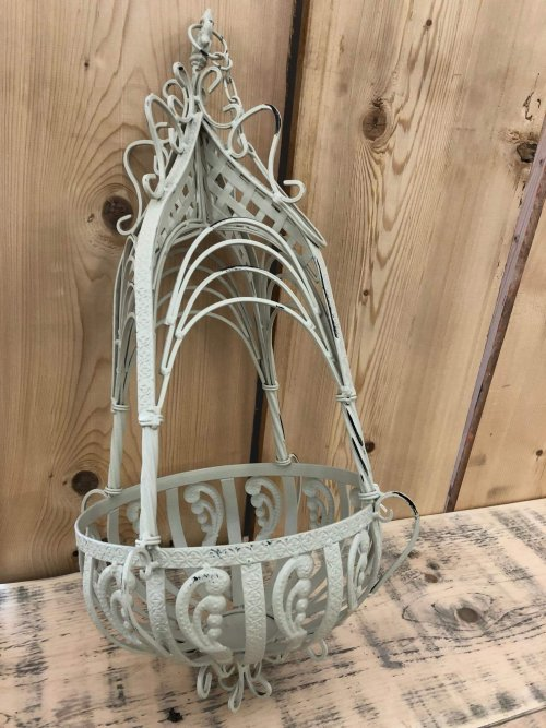 Hanging Baskets Metal online shop buy camberley surrey from arkvintage. These baskets are well made from a good grade metal and painted in a rustic cream colour. Available online and in our Surrey store.