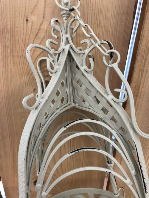 Hanging Baskets Metal shop buy online camberley surrey from arkvintage. These baskets are well made from a good grade metal and painted in a rustic cream colour. Available online and in our Surrey store.