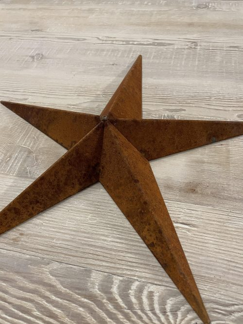 Metal Barn Stars from Arkvintage, made from welded steel, naturally rusted. Each star has a unique patina adding to it's charm. We love these for interior designs or for outdoor decoration in the garden or on the wall of your house. Now reduced and still including P&P ark vintage surrey online shop buy now