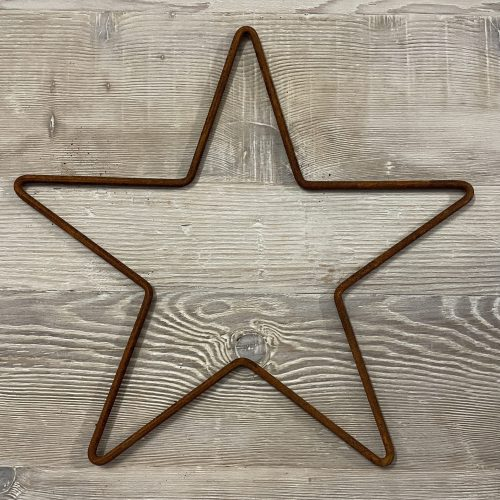 Metal Rusty Stars from Arkvintage. Made from .5cm steel bar, naturally rusted. Various sizes available, see pictures for more detail. Available for postage or collection online.