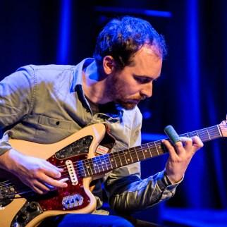 Joe Wilkins on backing guitar