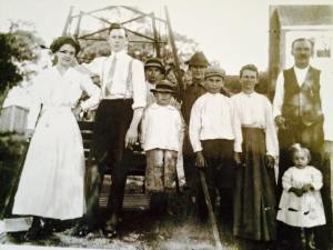 Mr. and Mrs. Allwine at Abingdon (left) (courtesy I Grew Up in Arlington)