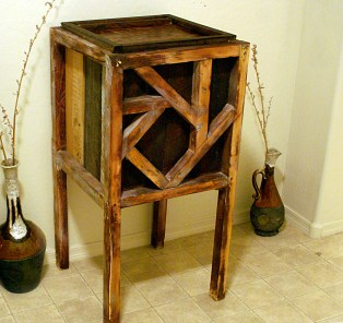 Reclaimed Pallet and Crate Offering Box