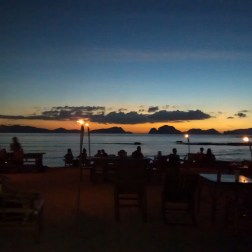 Las Cabañas Beach Bar en El Nido Filipinas