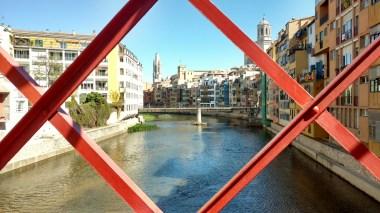 Girona a través del Puente de Fierro