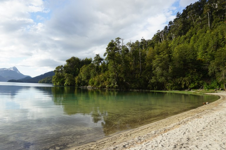 Playa Lago Espejo