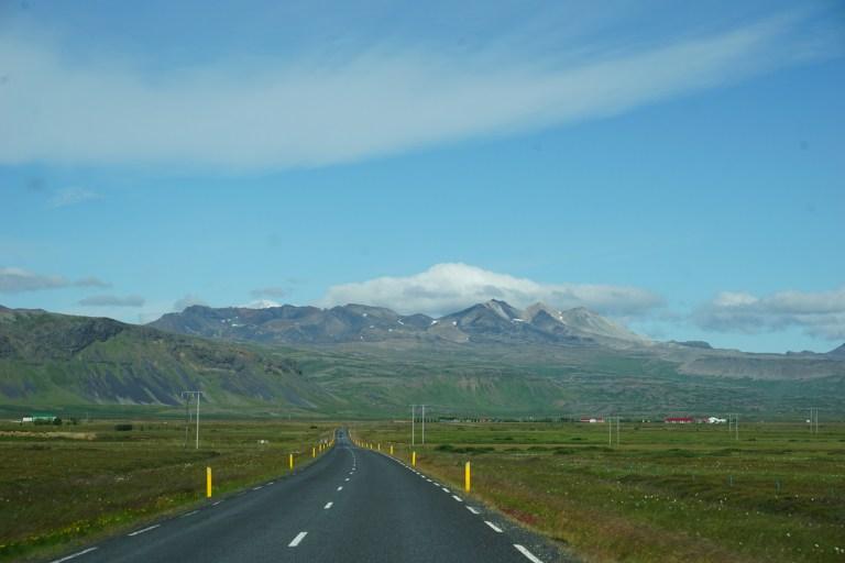 Ruta por Islandia, casi desierta.