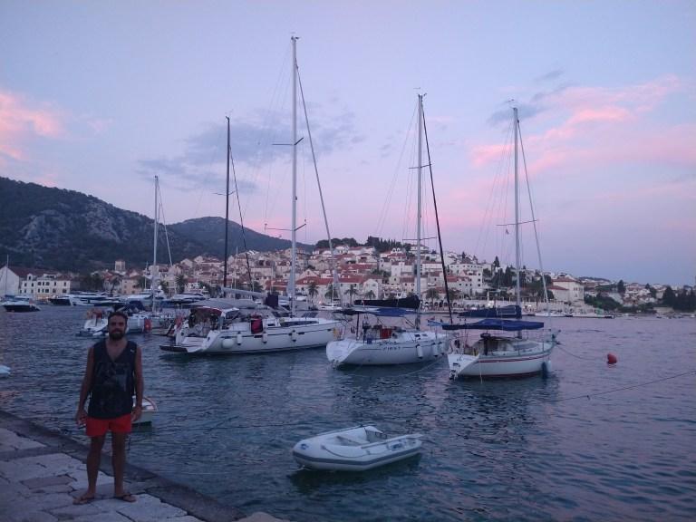 EL puerto de la isla de Hvar