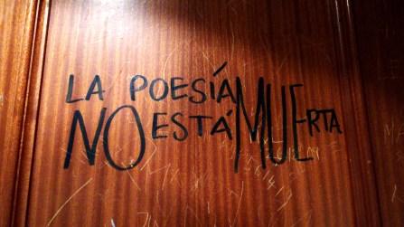 La poesía no está muerta