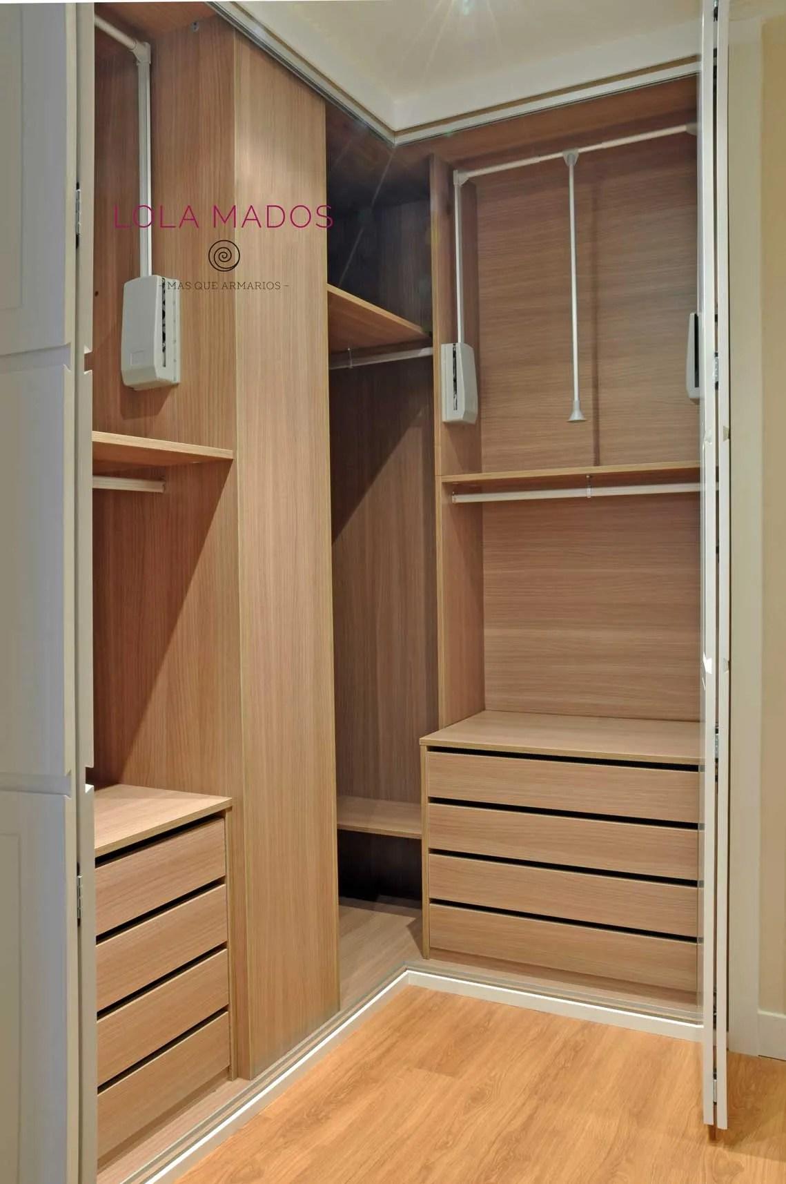 Hacer interior de armarios empotrados a medida blancos