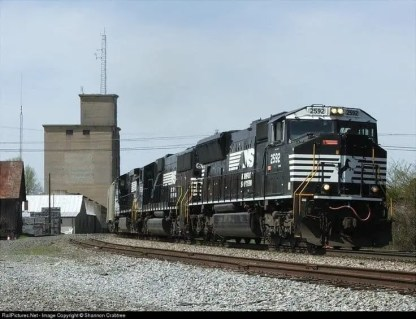 133 Norfolk Southern CSX Bright Gray