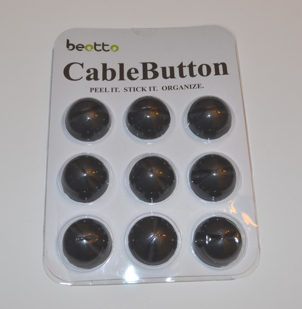 The front of the CableButton package.