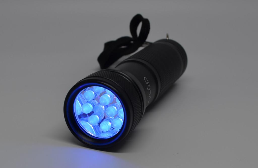The UV light.