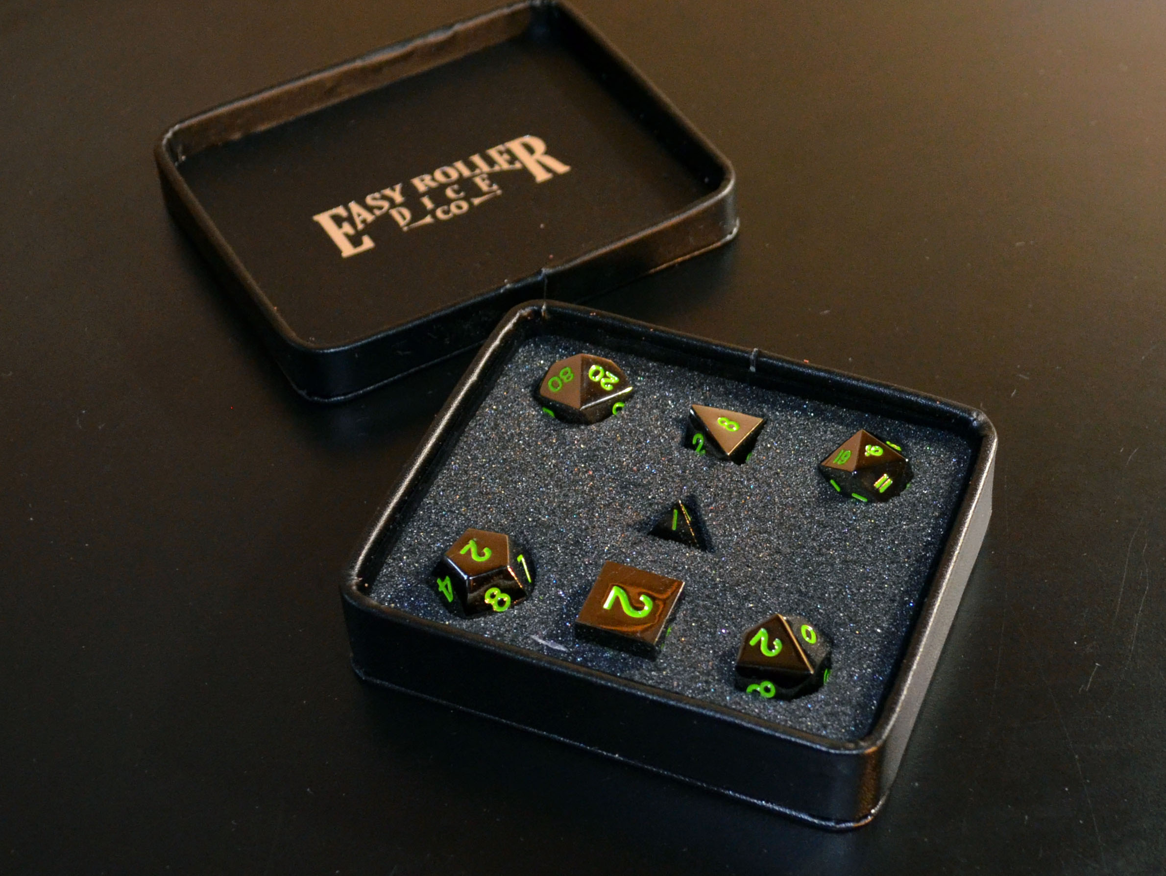 Serpent's Blood Dice Set