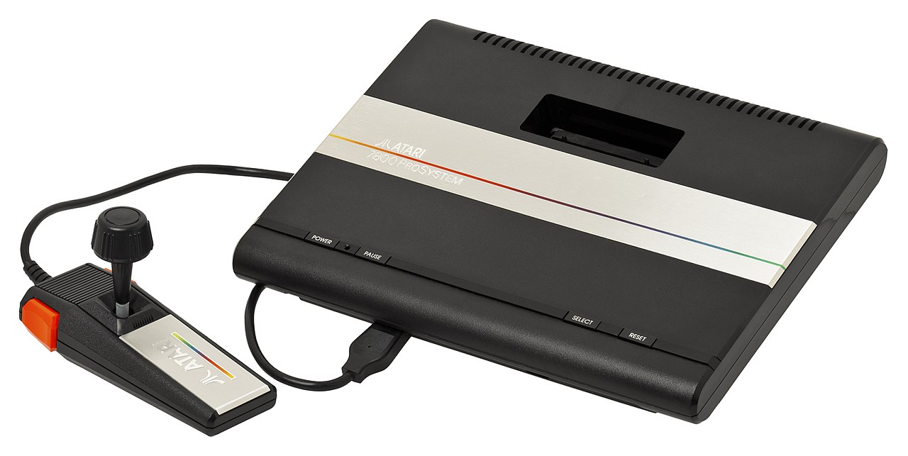 The Atari 7800. Source: Evan-Amos