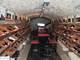 C.Comme Champagne cellar