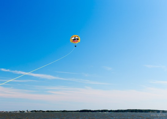 In the Summer, Paragliding in Ocean City by photograher Armenyl on Armenyl.com copyright