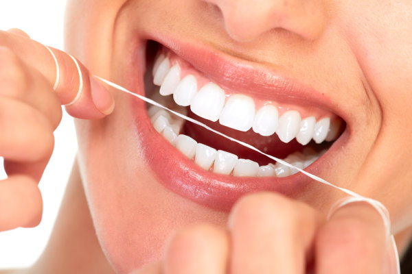 How to properly use dental floss