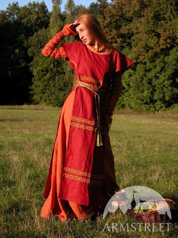 Original Medieval Style Costume Relized In 100 Natural