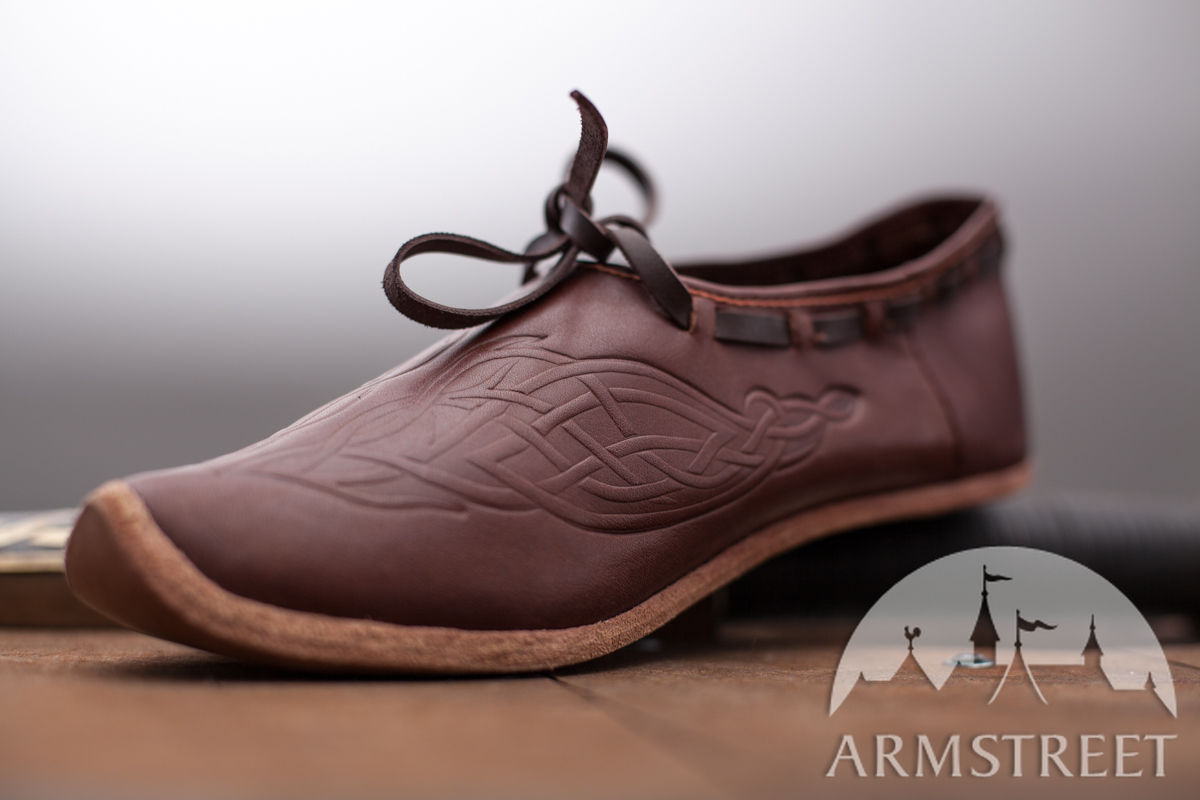 Medieval leather shoes for women Available in brown