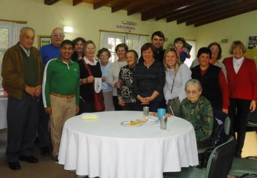 Rotary Club Armstrong. Visita al Hogar de Ancianos