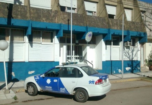 Procedimiento Policial en agencia de quiniela por incumplimiento de cuarentena.