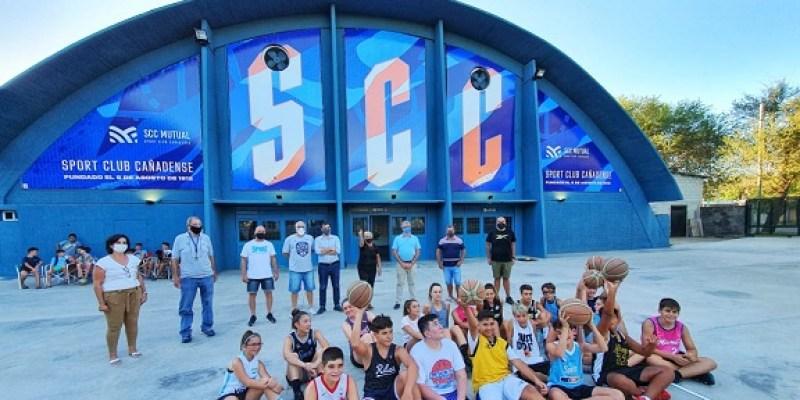 Con presencia de la intendenta Sport Club presentó su renovado playón León Najnudel.